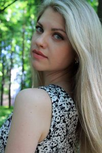 Meet thousands of adventurous Russian girls who want to travel !
